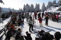 Lepo vreme i odlični uslovi za skijanje prepunili Kopaonik