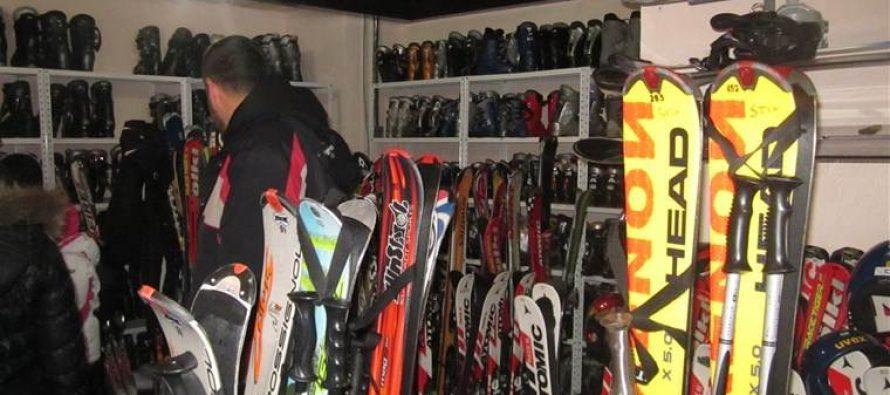 Početnička skijaška dilema: nova vs. rentirana oprema